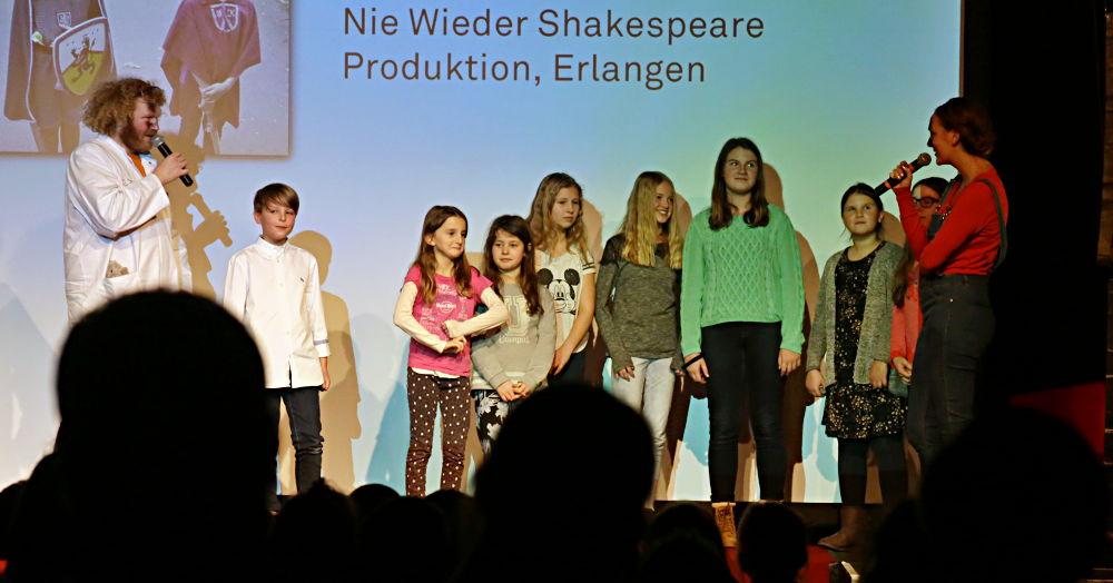 KiFiFe - Hinter der Zeit auf der Bühne