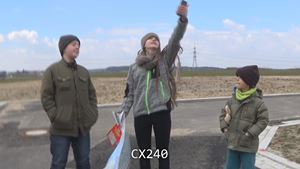 Kamera-Vergleich Steady-Shot: Dante im Baugebiet, Sony AX33 vs CX240