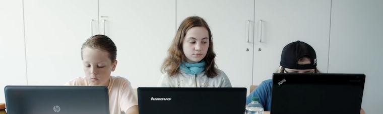 Computerunterricht - Szene aus Voll Verknallt 5